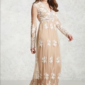 Forever 21 plus size nude and lace dress